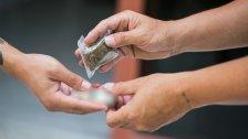 """""""مع كلّ نصف غرام كوكايين سيجارتَا حشيشة""""..هذا ما قرّرته جنايات بيروت في حق تجار ومروجي مخدرات!"""