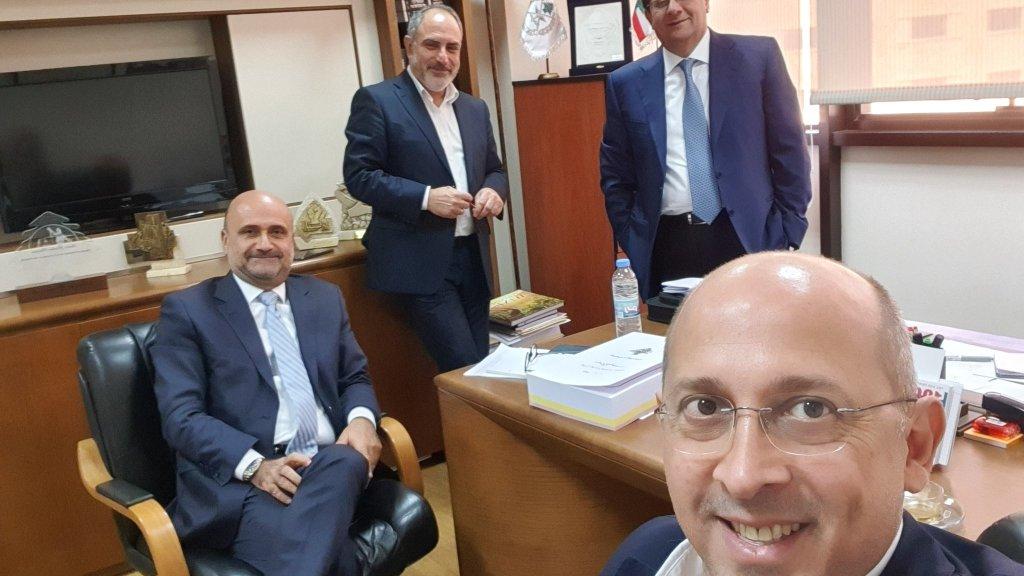"""النائب الان عون ينشر """"سيلفي"""" ويعلق: تحضيرات الجلسة التشريعية... """"الحراك التشريعي"""" بدأ!"""