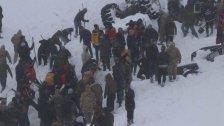 بالصور/ انهيار ثلجي مروّع يحصد 26 قتيلاً في تركيا وإنقاذ 30 شخصاً من بين العالقين!