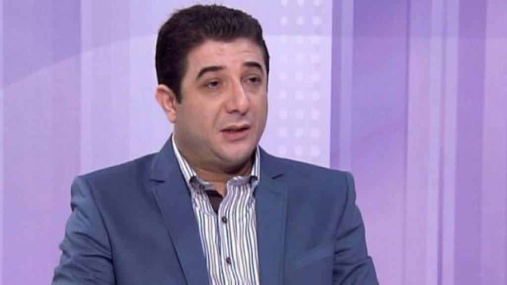 """الاعلامي غسان جواد يكشف ان ثمة توجه لدى الحكومة لدفع راتب شهري """"رمزي"""" لـ 40 ألف عائلة من الأكثر فقراً وحاجة والقرار ينبغي أن يصدر قريباً جداً"""