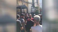 محتجون اقتحموا مبنى المالية في طرابلس منددين بارتفاع سعر صرف الدولار
