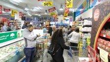 الأزمة غيرت نمط حياة اللبناني بعدما كانت غالبية مشترياته من الكماليات.. منتجات شُطبت من حياته اليومية