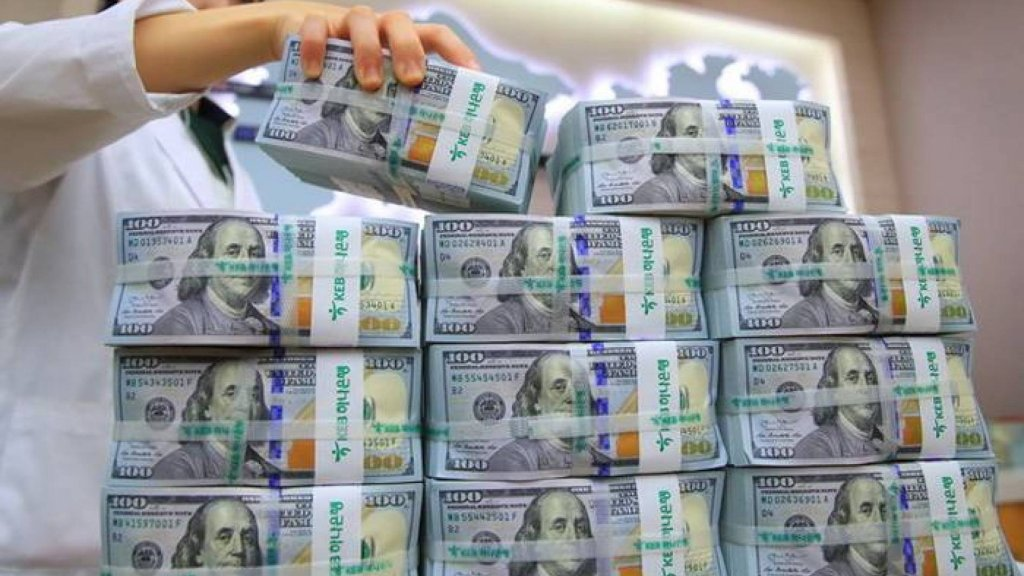 لا تغيير في دولار نقابة الصرافين...التسعيرة صامدة بين 3850 للشراء و3900 للبيع