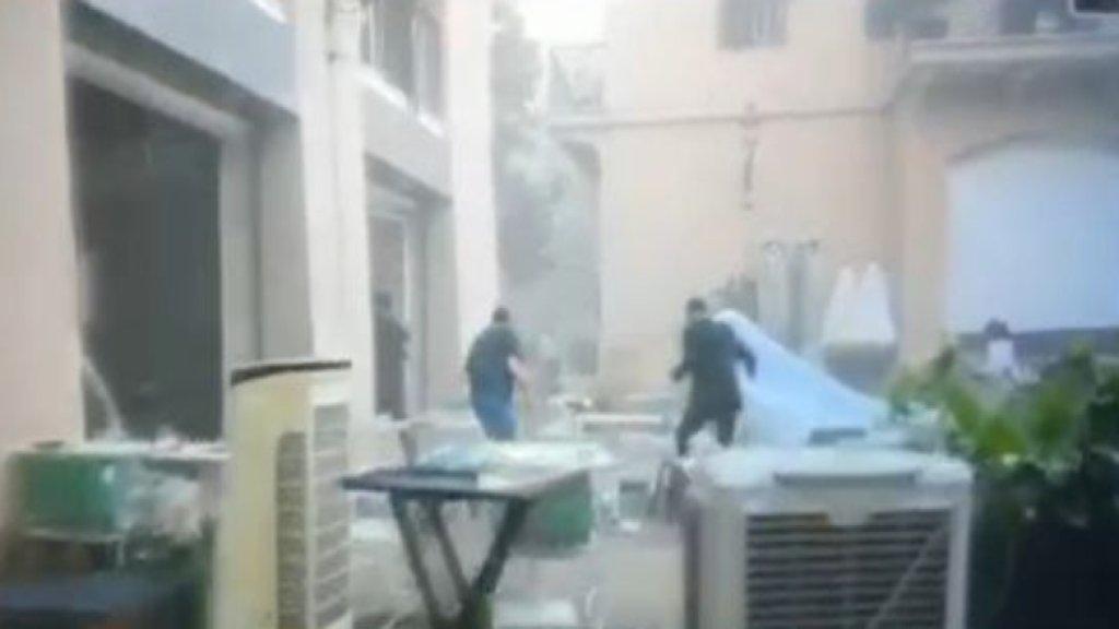 بالفيديو/  لحظة وقوع إنفجار مرفأ بيروت أثناء إلتقاط عروسين الصور التذكارية