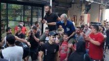 بالفيديو/  إطلاق نار واحتفالات في شارع الصفصاف بعد صدور نتائح فحوص الكورونا لعدد من ابناء المنطقة سلبية!