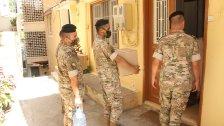 الجيش: تولّت وحداتنا توزيع 50% من المساعدات الانسانية التي وصلت الى لبنان فيما تولّت سفارات الدول المانحة وعدد من المنظمات غير الحكومية والهيئة العليا للاغاثة توزيع باقي المساعدات