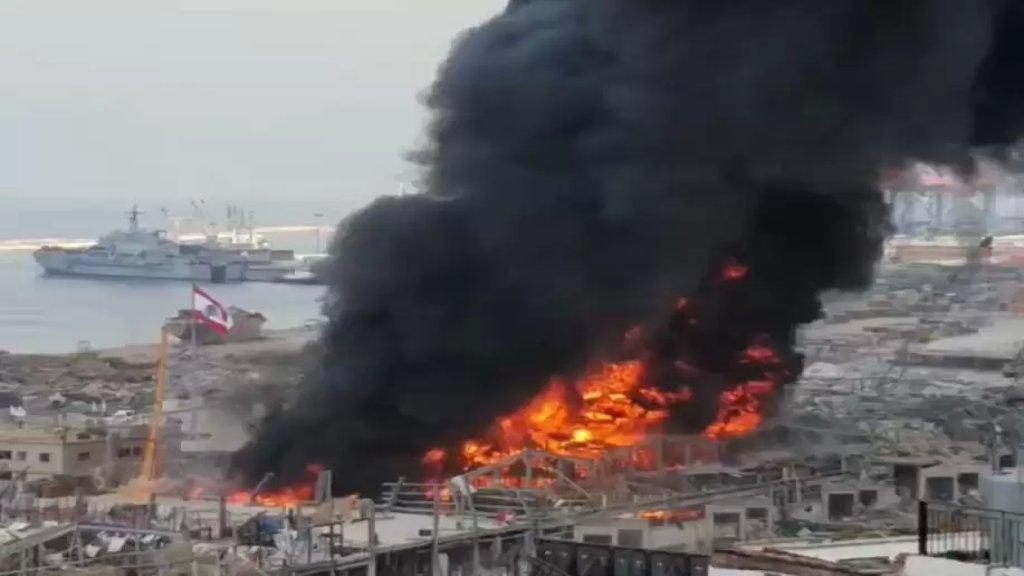 القاضي عويدات أحال ملف حريق المرفأ الذي اندلع الاسبوع الماضي على النيابة العامة في بيروت مع ثلاثة موقوفين
