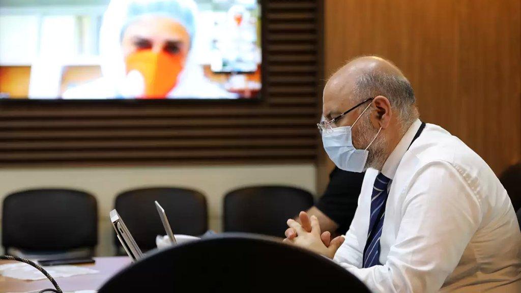 مدير مستشفى الحريري:..شاب في الـ18 من العمر من بين وفيات كورونا...هذا الخبر كان قاسياً!