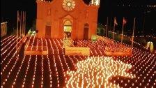 2020 شمعة أمل من بكاسين إلى كل لبنان...شمعات أمل لبنانية أضيئت في ساحة كنيسة مار تقلا (صور)