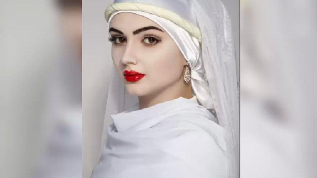 صورة كاذبة...ليست زُليخة الحقيقية، بل عارضة أزياء!
