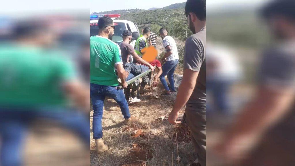 خلال إخماد النيران المشتعلة في عيتا الشعب...إنفجار قنبلة عنقودية من المخلفات الإسرائيلية أدى إلى إصابة شخصين