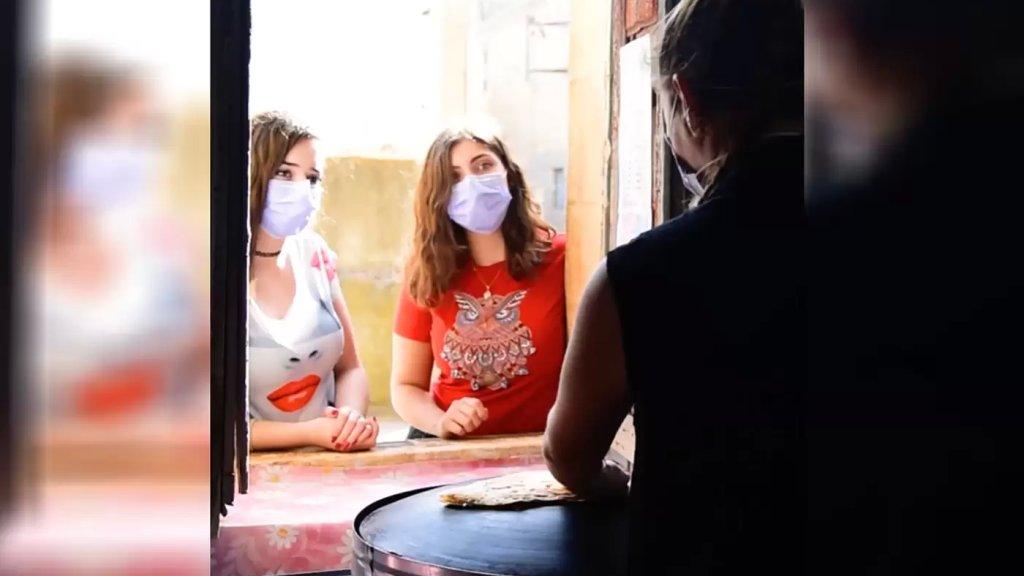"""بالفيديو/ حكاية حلم صغير تحقق على الحدود الجنوبية...نزوح من المدينة إلى الضيعة ثم مطعم """"ام البنات""""-يارون جنوب لبنان"""