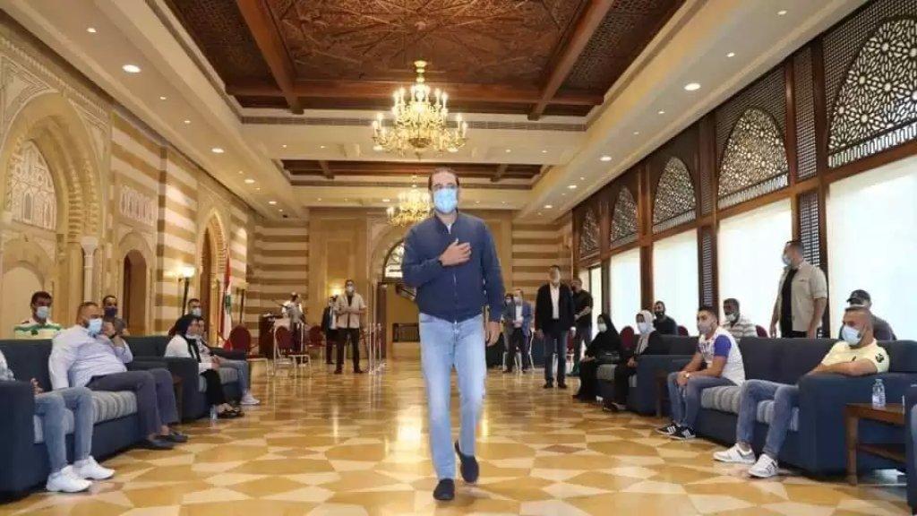 مصادر إعلامية: الحريري يتجه الى سحب ترشيحه