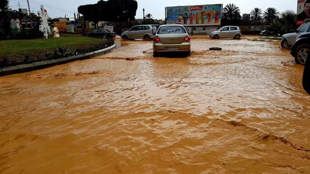 مفاجأة من العيار الثقيل...مياه الصرف الصحي وطوفانها في الشوارع مصدر جديد لانتقال فيروس كورونا!