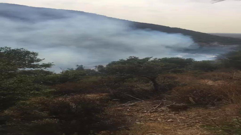 أهالي دير نبوح الضنية يناشدون الجيش إرسال طوافة لإخماد حريق قبل تمدده باتجاه مناطق حرجية إضافية ومناطق زراعية وسكنية