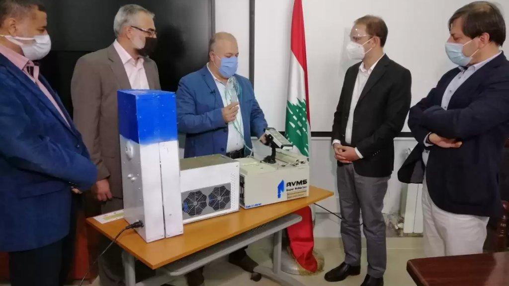 """صُنع في بعلبك.. إختراع جهاز لـ""""تعقيم الهواء وإعطاء المريض الأدوية بطريقة آمنة"""" من قبل المهندس محمد اسماعيل وماهر عثمان"""