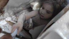 """طفلة أخرى تتمسك بالحياة تحت الأنقاض عقب زلزال إزمير...الطفلة """"آيلا"""" صمدت لنحو 91 ساعة حتى وصل إليها رجال الإنقاذ!"""