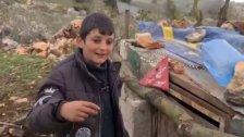 """بالفيديو/ الفتى حسين شرتوني ابن بلدة ميس الجبل الذي شغل بال جيش الإحتلال """"الإسرائيلي"""" بدجاجته الهاربة نحو السياج حيث أطلق الجنود فوق رأسه النار: """"بدي دجاجتي، أخدولي ياها"""""""