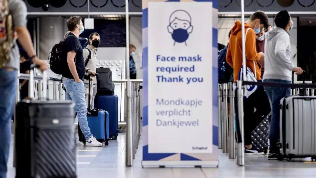 بعد ظهور سلالة جديدة من فيروس كورونا في بريطانيا.. بلجيكا ستعلّق الرحلات الجوية وحركة القطارات القادمة من المملكة