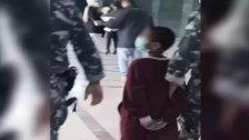 """بعد صورة طفل مقيّد اليدين في قصر العدل وهو بطريقه للتحقيق ... رئيسة الاتحاد لحماية الأحداث: """"يجب تعديل القانون"""""""