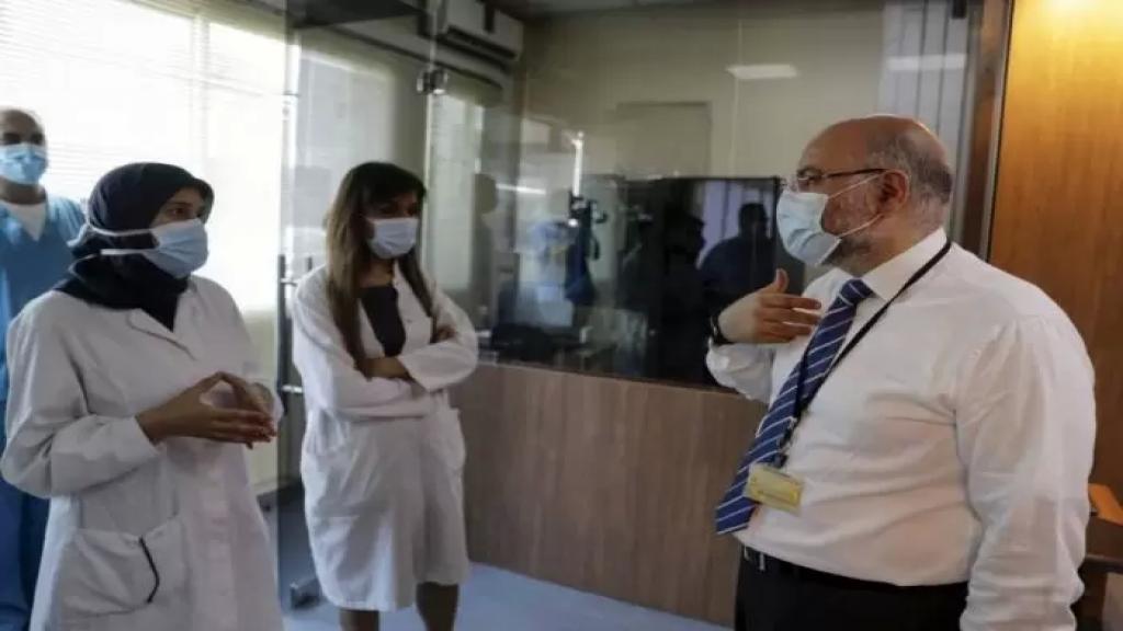 الأبيض يسرد معاناة المستشفيات ويناشد: الأزمة الحادة الحالية لأسرة الكورونا لا يمكن أن تنتظر.. المطلوب ردة فعل عاجلة