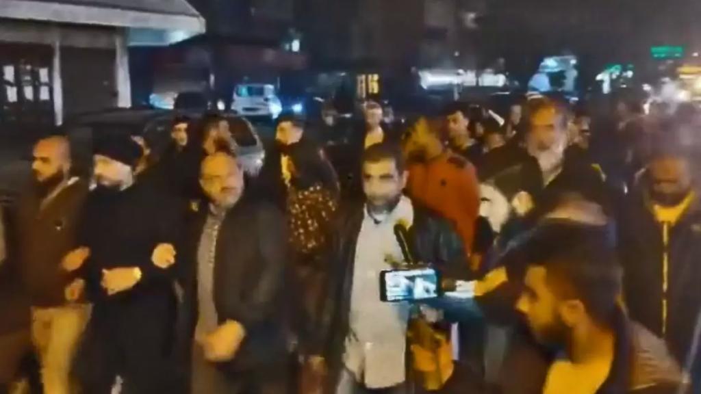 مسيرة احتجاجية من ساحة النور -طرابلس باتجاه منازل عدد من السياسيين