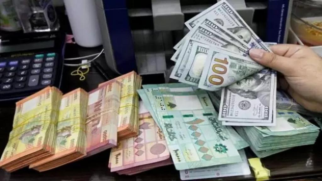 دولار السوق السوداء يحلق ويقارب الـ 9000 ليرة بعد وصوله الى 8800 ليرة صباح اليوم