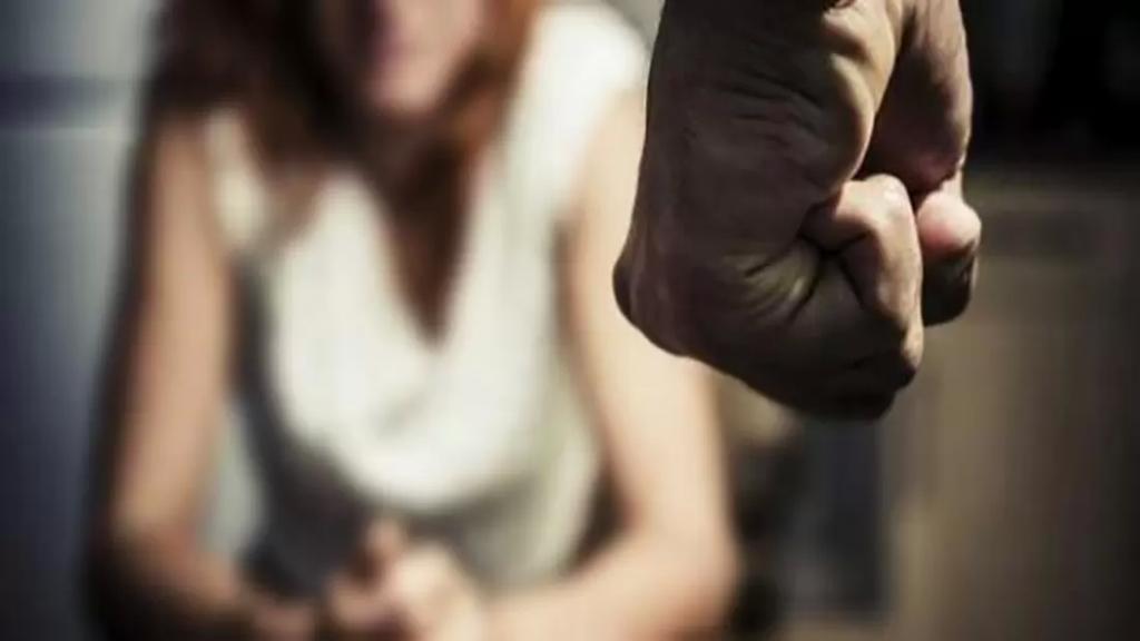 """سيدة تنشر حادثة تعرض شابة عشرينية للإغتصاب في الشمال على يد """"وحش بشري""""..صعدت سيارة أجرة فاقتادها إلى مكان بعيد واعتدى عليها"""