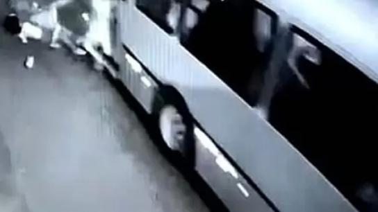 قيادة الجيش تنفي: لا صحة للمزاعم عن قيام عصابة مسلحة باعتراض حافلة ركاب تُقل عناصر من الجيش