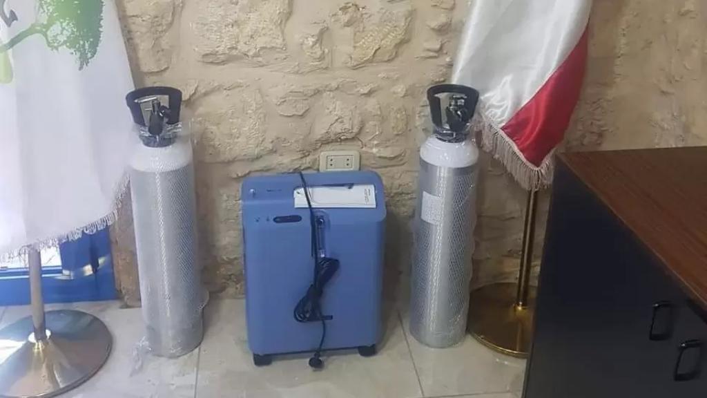 بعد إزدياد حالات كورونا في البلدة....بلدية بشمزين وضعت أجهزة أوكسيجين تحت التصرف في حال الضرورة!