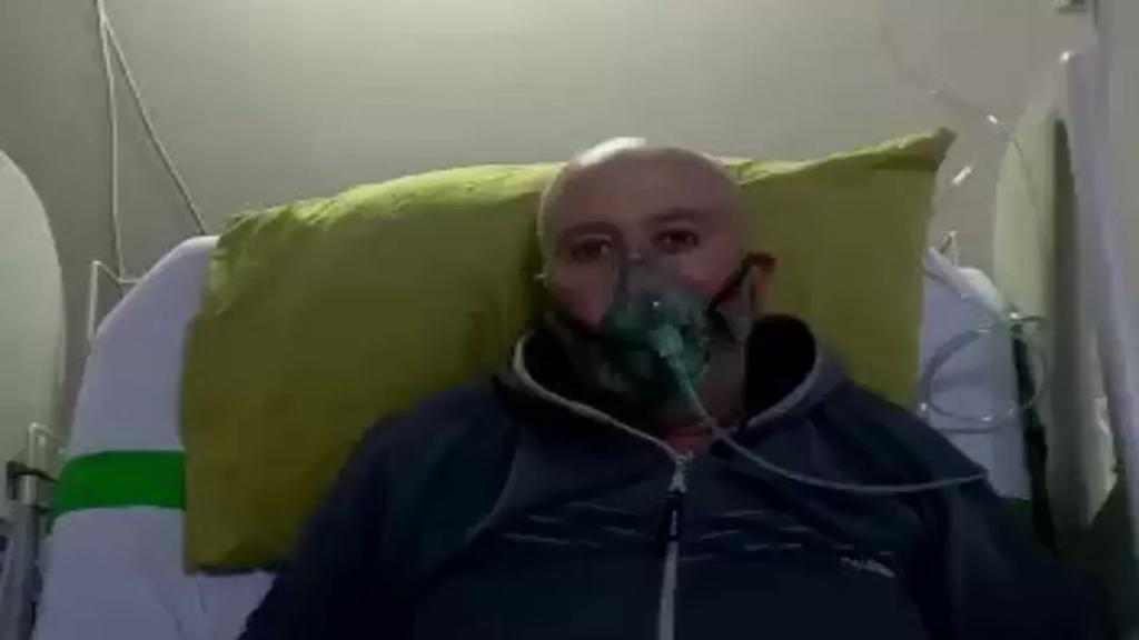 """بالفيديو/ مواطن مصاب بكورونا يطلق صرخة ضد الإستهتار بالفيروس: """"نفَسنا عم نستعيره عيري! و الله مِنعم عليكن بنفس طبيعي""""!"""