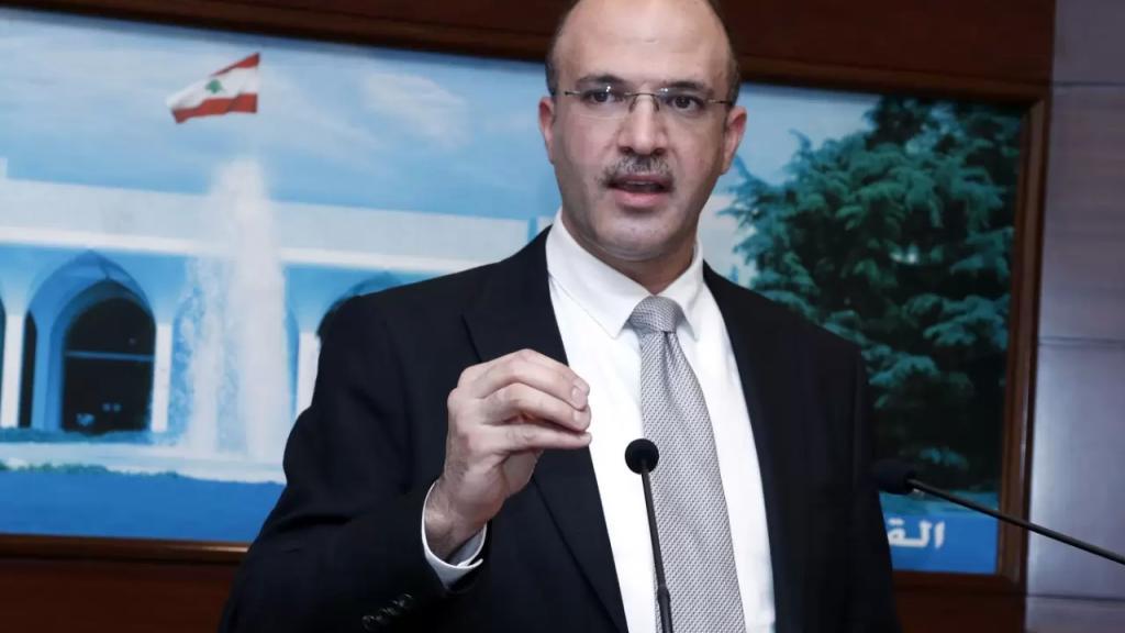 """وزير الصحة يعلن عدم حضوره اللجنة الوزارية الخاصة بـ""""كورونا"""" لاعتراضه على القرار الذي اتّخذ من قبل اللجنة قبل الأعياد"""
