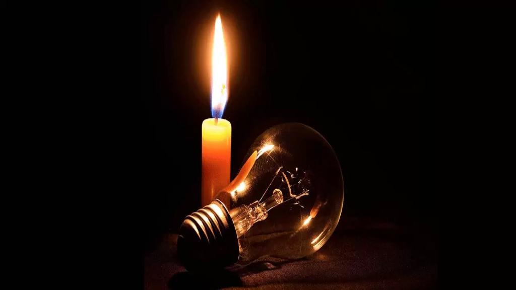 قرى وسط البترون بلا كهرباء منذ الأمس بسبب العاصفة والاهالي يناشدون !