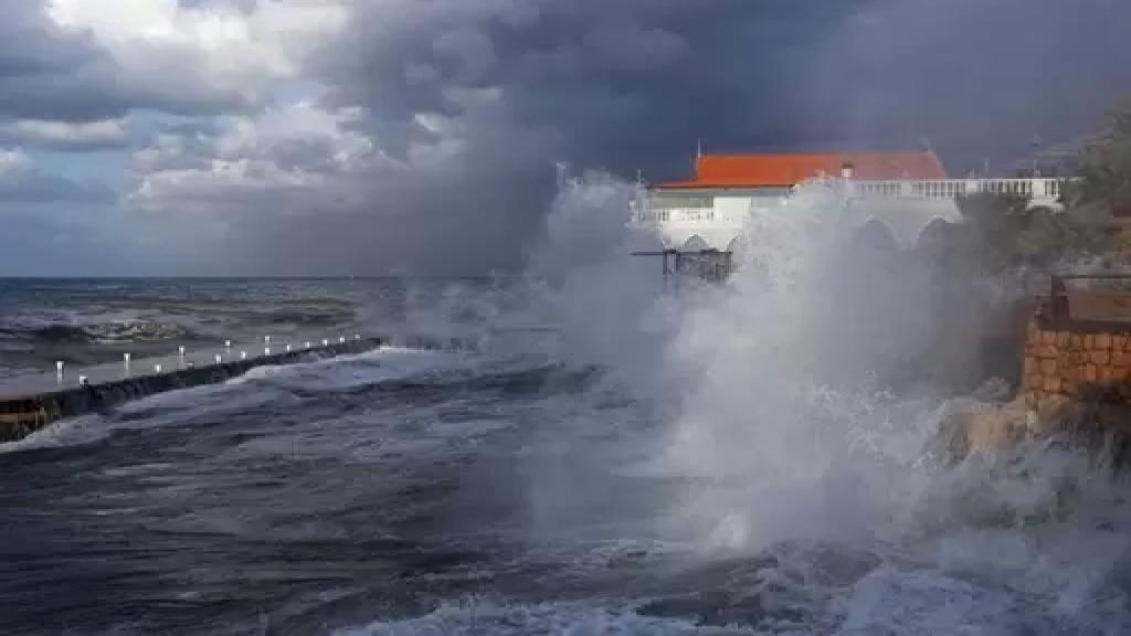 رياح وأمطار غزيرة.. الطقس الماطر والعاصف سيرافقنا حتى نهاية الأسبوع