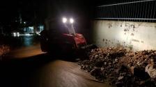 إنهيار جدار في سير الضنية بسبب السيول وقطع جزئي للطريق