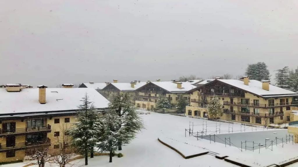 المرحلة الثانية من العاصفة تشتد.. طقس كانوني مُثلج بامتياز والـ JET STREAM يرفع نسبة الهطولات إلى 100%