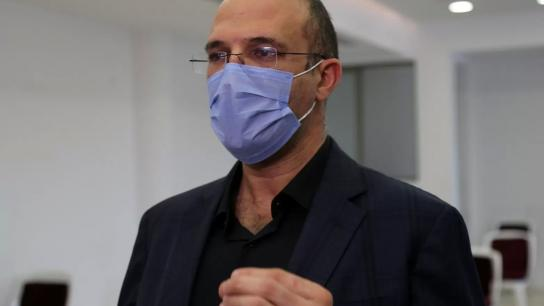 وزير الصحة وقع الدفعة الأولى من مستحقات معالجة مرضى كورونا