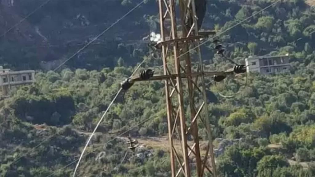 سرقة كابلات الكهرباء مستمرة...وآخرها في بلدة نمرين الضنية مما أدى إلى انقطاع التيار الكهربائي عن أحياء عدة في البلدة!