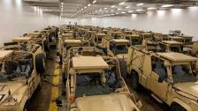 """بالصور/ 100 مركبة دورية مدرعة هبة من الحكومة البريطانية إلى الجيش اللبناني: """"ستعزز دور أفواج الحدود البرية وتساهم بالاستقرار على الحدود اللبنانية"""""""