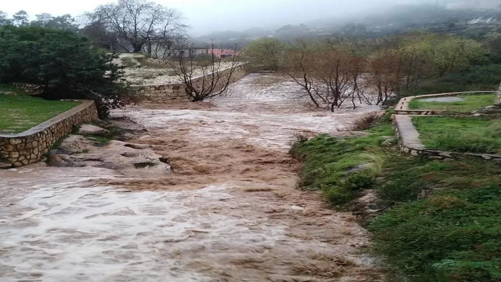 انحسار العاصفة في النبطية والأمطار أدت إلى ارتفاع منسوب المياه وتفجر الينابيع