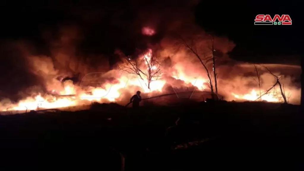 بالصور والفيديو/ إخماد الحريق الضخم الذي شب نتيجة انفجار صهريج في الشركة السورية لنقل النفط الخام بـ حمص