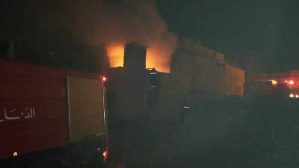 حريق شب في منزل في بعلبك التهم محتويات وأثاث البيت والدفاع المدني يتدخل