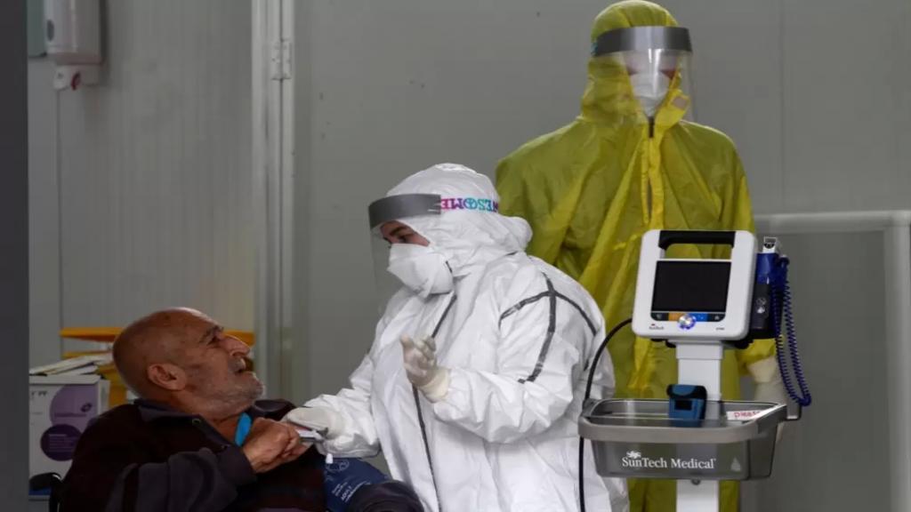 ضحايا «كورونا» يتخطّون الـ 2000... المستشفيات الخاصة تكذب!