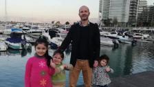 """أب لثلاثة أطفال.. """"عصام"""" رحل اليوم متأثرا بإصابته بعدما تعرض للضرب على يد مجهولين بهدف السرقة في الجناح منذ 10 أيام"""