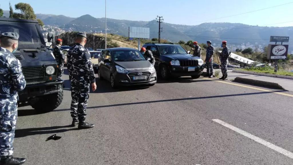 بالصور/ قوى الأمن: مستمرّون بالتشدّد في ضبط مخالفات قرار التعبئة العامة في كافة المناطق اللبنانية