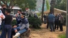 تجمع لمحتجين عند تقاطع ايليا في صيدا احتجاجا على الغلاء وانعدام قدرة المواطن على تأمين حاجاته الأساسية، في ظل الاقفال العام