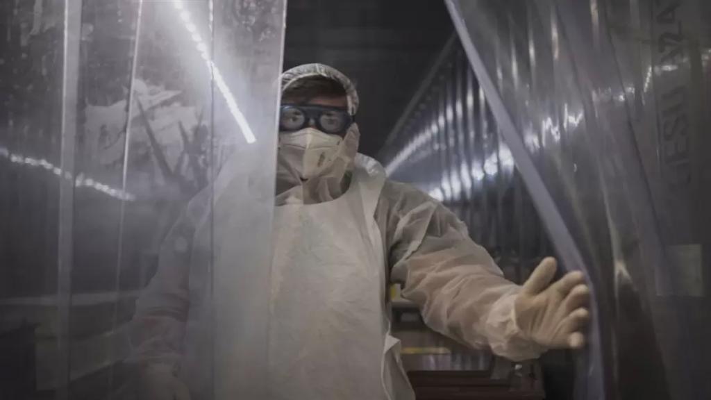 """70% من الحالات في لبنان مصابة بكورونا المتحوّر.. هل """"النسخة البريطانية"""" وراء ارتفاع الوفيات؟ (الأخبار)"""