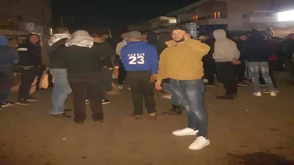 الوكالة الوطنية: محتجون قطعوا طريق عام الجومة في بلدة تكريت مساء بالاطارات المطاطية احتجاجا على الظروف المعيشية