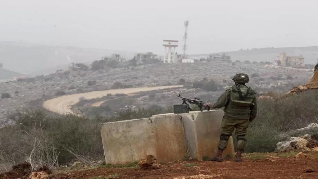 بالفيديو/ تعزيزات إسرائيلية ودبابات على الحدود مع لبنان