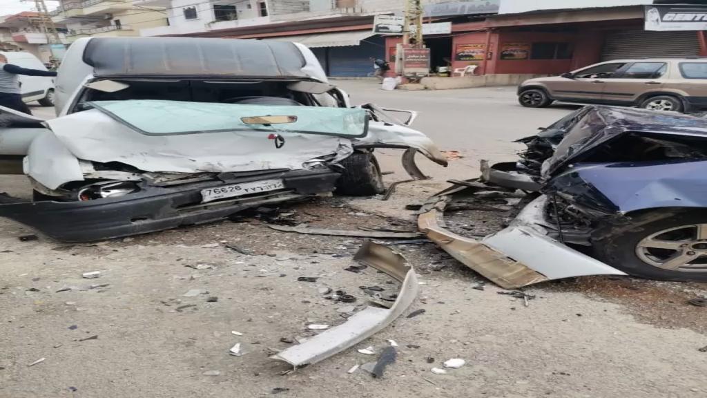 3 جرحى  بينهم شقيقان احدهما بحال خطرة بحادث سير مروع على طريق عام عدشيت